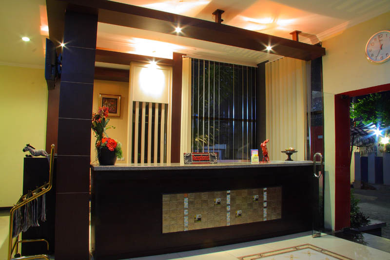 http://jazzhotelpalu.com/images/stories/images/gallery/about/jazz_hotel_palu_003.jpg