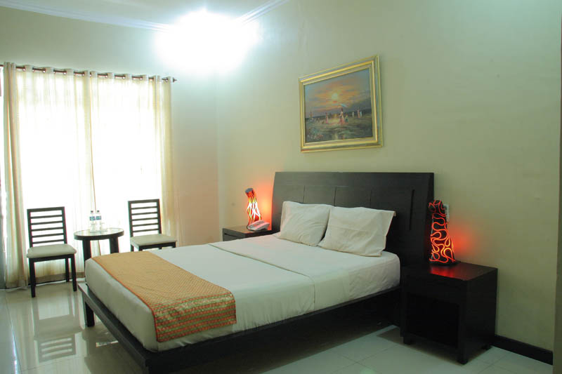 http://jazzhotelpalu.com/images/stories/images/gallery/about/jazz_hotel_palu_006.jpg